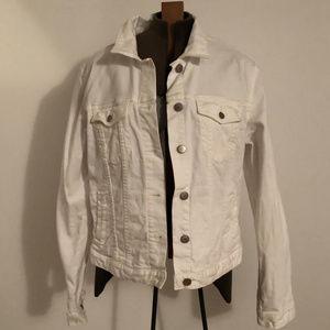 GAP white denim jacket like new